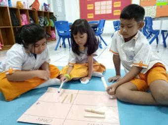 eager-to-show-their-creativity-and-cooperation